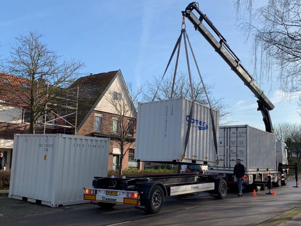 Vervoer container met laadkraan